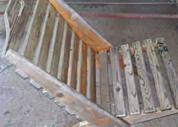 Zdjecie krzesla przed renowacja