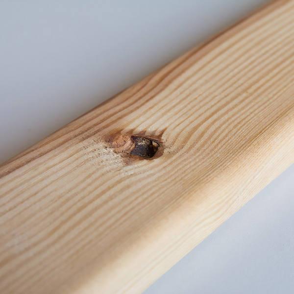 Zdjecie ubytku w drewnie