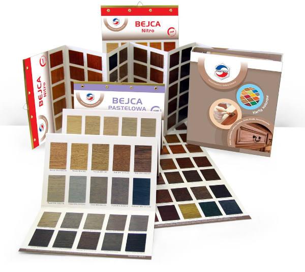 Zdjęcie kart kolorów bejc