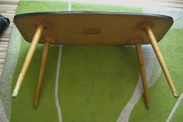 Zdjecie stolika jamnik przed renowacja